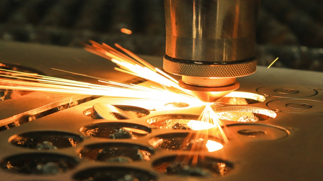 Raman Laser - laser cutting metal